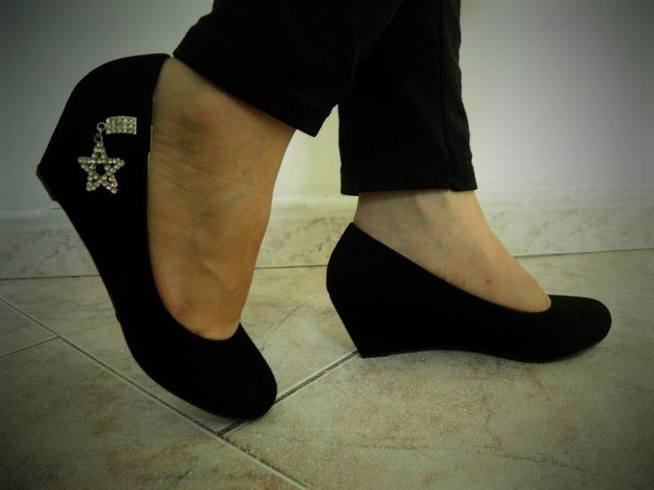 zapatos-para-dama-en-gamuza-negros-tacon-corrido-muy-comodos_MCO-F-3624356043_012013.jpg (1200×900)