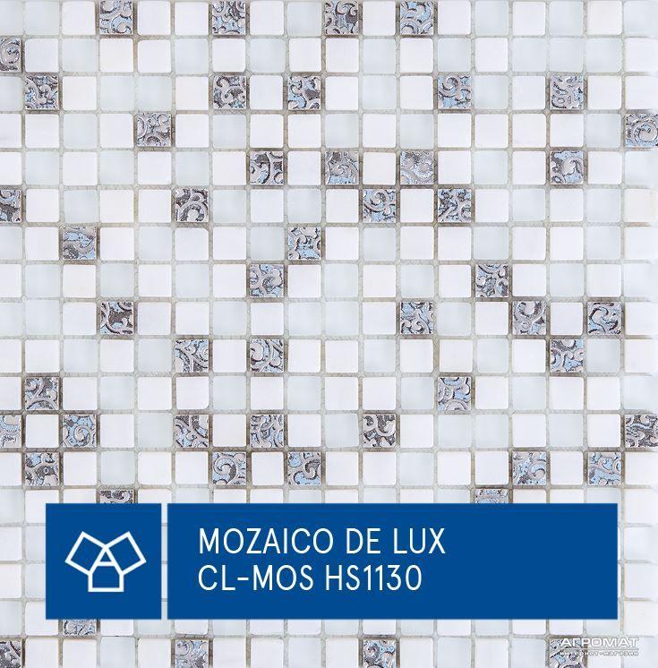 Мозаика из камня и стекла от Mozaico De Lux. Поверхность мозаики матовая, и подходит такой вариант для интерьера в минималистическом стиле в светлых тонах белого и светло-серого. #Mozaico_De_Lux #Мозаика #АГРОМАТ