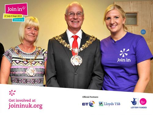 Olympic athlete Rebecca Adlington met the town mayor at Stockport during our Join In Summer 2013. The event was hosted at Stalybridge swimming pool where they presented the certificates  (and beautiful bouquets of flowers) to some of the club's volunteers.