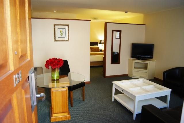 #Deluxe One Bedroom #Suite at the #AdelaideInn, #NorthAdelaide.4  #luxury #stylish #hotel #SouthAustralia