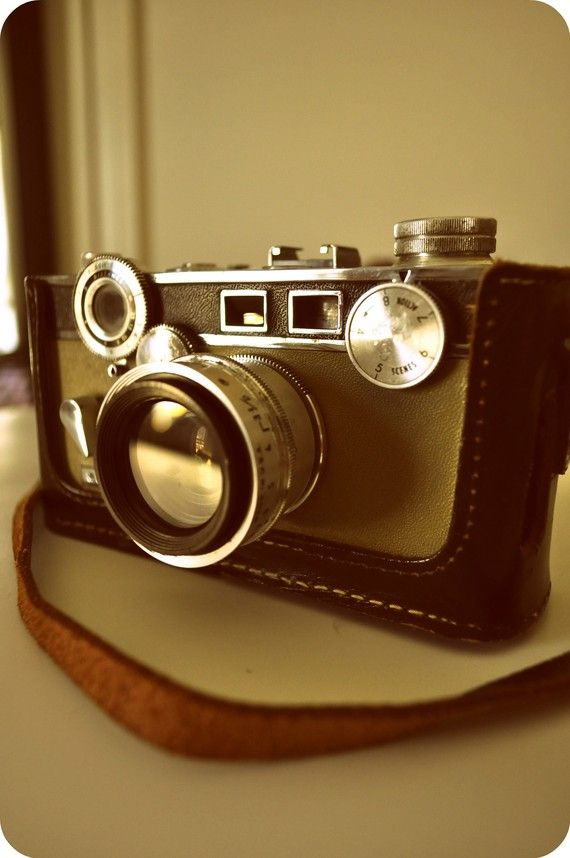 Vintage Argus 35mm Camera I love the knobs and dials on this one.
