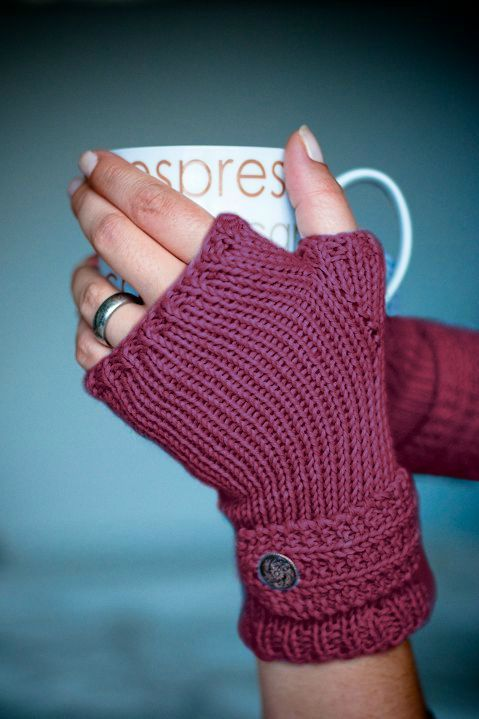 finger-less gloves, free pattern