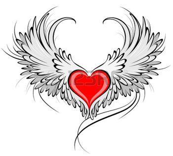 tatouage gothique: coeur rouge artistiquement peint avec des ailes d'ange gris, décoré avec contour noir lisse.