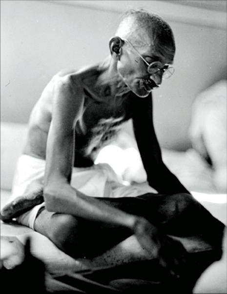 Gandhi foi um conscientizador da sociedade hindu e muçulmana na luta pacífica…