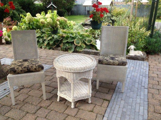 17 beste idee n over rieten stoelen op pinterest rotan ronde tafel instellingen en landelijke - Woonkamer rotan voor veranda ...