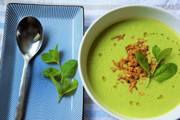 Netradiční jarní hrášková polévka