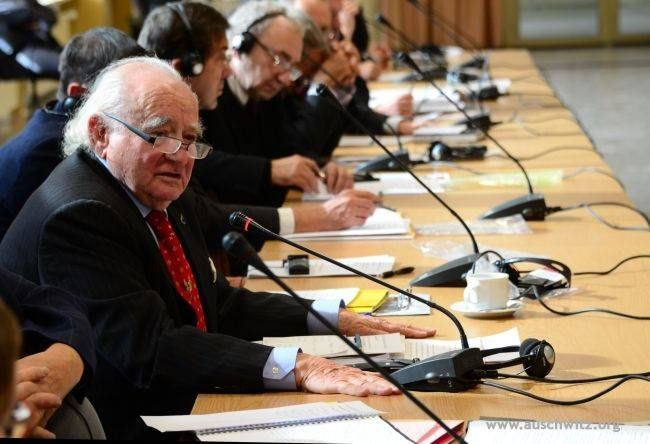 Problems with the seat of the International Centre of Education about Auschwitz and the Holocaust at the Auschwitz Museum were the main subject of the meeting of the International Auschwitz Council. The XXV meeting, which was held in Warsaw on 2 October, was presided over by prof. Władysław Bartoszewski.  More: http://en.auschwitz.org/m/index.php?option=com_content&task=view&id=1136&Itemid=7