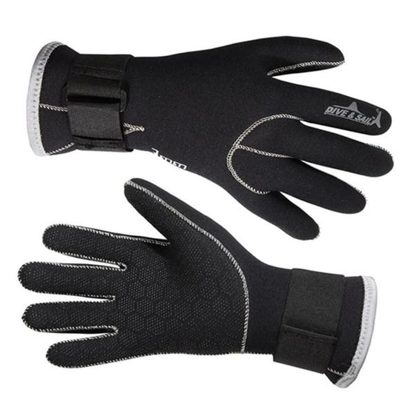 Neoprene Diving Gloves.