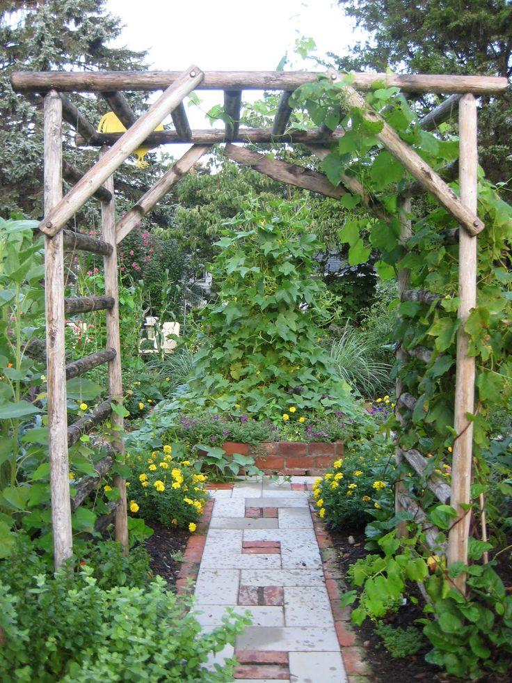 1000 images about vegetable garden ideas on pinterest for Vegetable garden trellis