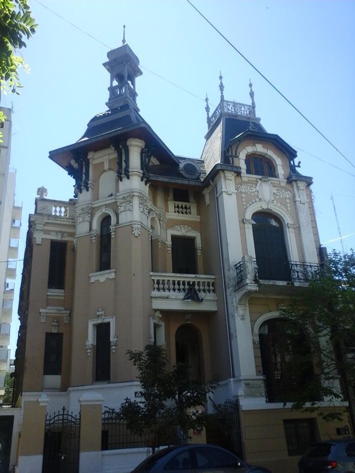 PALACIO LOPEZ MERINO, casa paterna del poeta platense, ubicado en la calle 49 Nº 835, entre 12 y diag. 74. La Plata- Argentina
