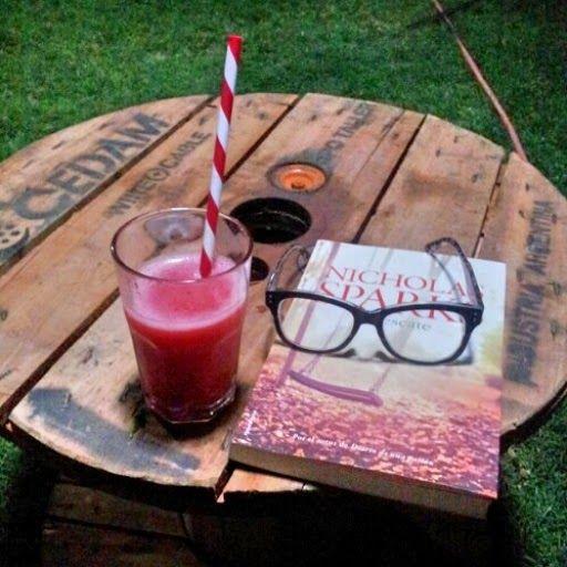 tarde de verano.....daikiry de frutillas y frambuesas  mmm deli