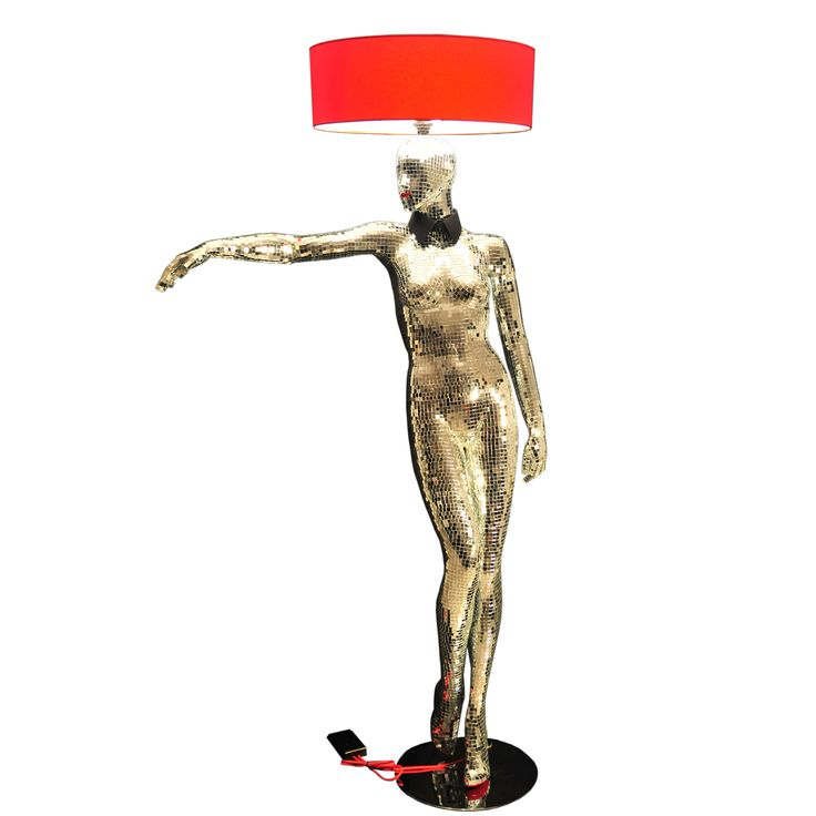 Mirror Queen- Magestic Mannequins Floor Lamp. Retro – Futuristic With Over 10.000 Mirror Pieces On It.#mirrormannequin #luxuriuslighting #retrostyle #futuristicstyle #mannequins #artlamp #interiorlighting #floorlamp #mannequinfloorlamp #mannequinlamp #mannequinsinart #lifesizemannequin #lampshade #windowdisplay #interiorstyling #designer #designlife #homedecor #lightingdesign #interiordesigner #artwork #decoration #statementpiece