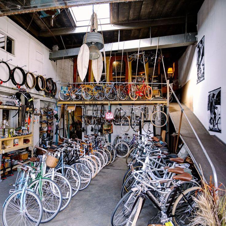 Bike shop in Manhattan / Photo by Pavel Bendov