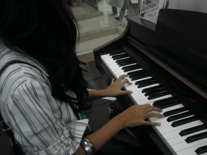 little bit of sound - grandpiano