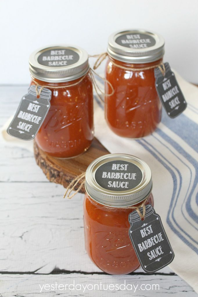 The Best Barbecue Sauce Recipe in a Mason Jar and jar labels and tags. Great for summer entertaining and gift giving.