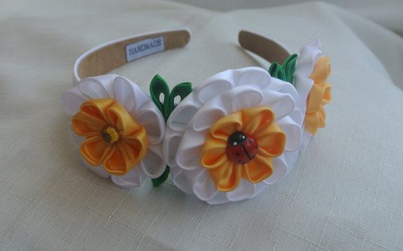 This lovely headband made in the technique of Kanzashi from satin ribbon. Plastic headband is 3/4 (2 cm) and lined with satin ribbon. The