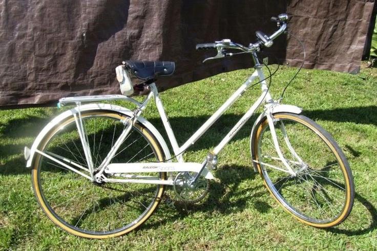 vintage raleigh bike need this design life. Black Bedroom Furniture Sets. Home Design Ideas