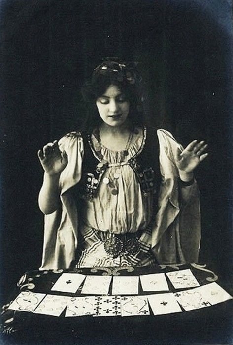 Victorian fortune teller | from reading The Night Circus by Erin Morgenstern (2011)