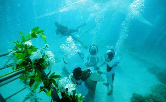 Подводная свадьба на Бора-Бора