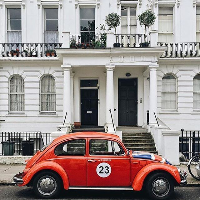 Classically British. Just the way we like it. Discovering the back streets of #NottingHill by @sevenalleys. #theportobellohotel…