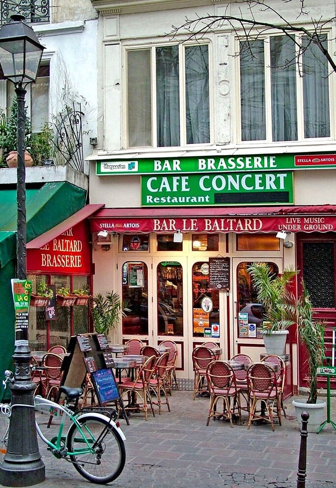 17 best images about cafe tabac on pinterest restaurant for Restaurant le miroir montmartre