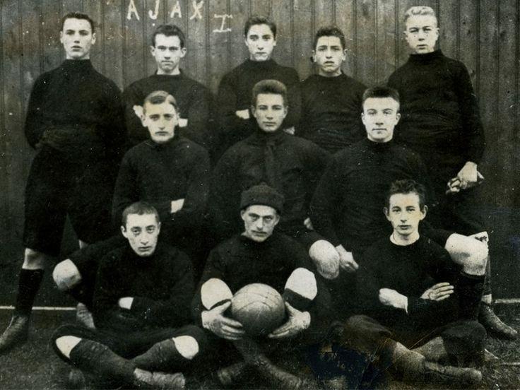 Eerste teamfoto Ajax (1900)