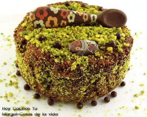 Hoy Cocinas Tú: Bizcocho de chocolate, vino de Rioja y pistachos