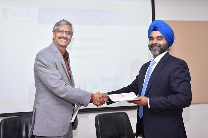 Royal Sundaram Signs Mou With Manipalglobalacademy Of Bfsi For A