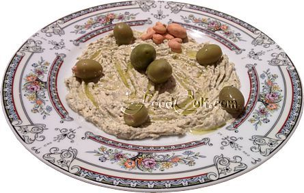 A perfectly #healthy #snack! #Hummus with #olives, a few #cashew #nuts and a drizzle of #OliveOil served with an accompanying #organic, light #WholeWheat #pita. #Easy #homemade #recipes @ http://www.foodcult.com #Food Matters!