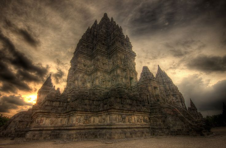 The main temple at Prambanan