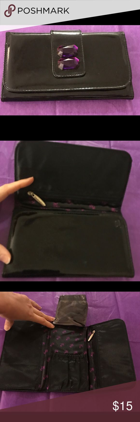 Lancôme brush case A gorgeous jeweled Lancôme brush case. Very roomy for one side for face brushes and the other for eye makeup brushes. Lancome Makeup