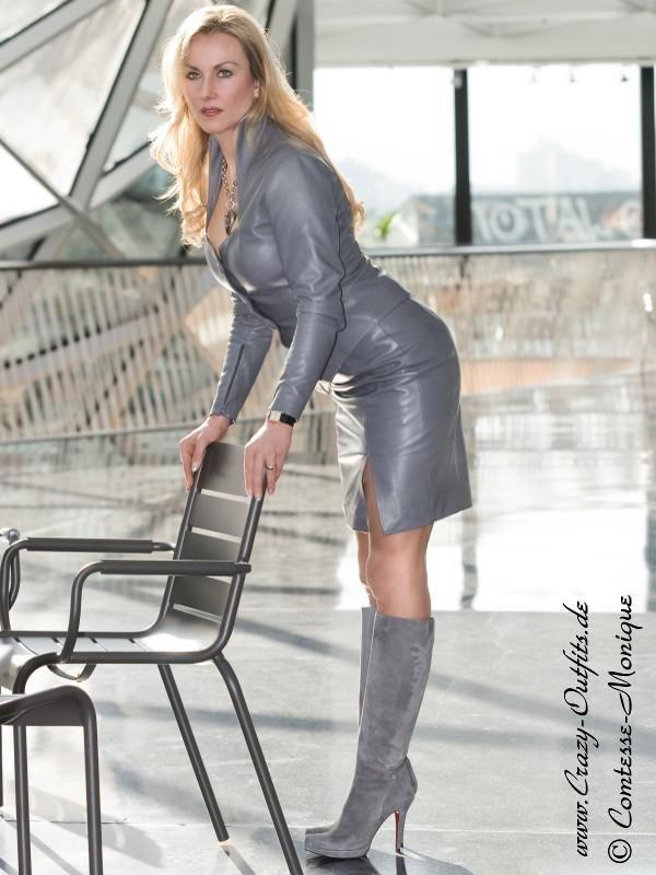 COMTESSE MONIQUE Glamour Model : Photo