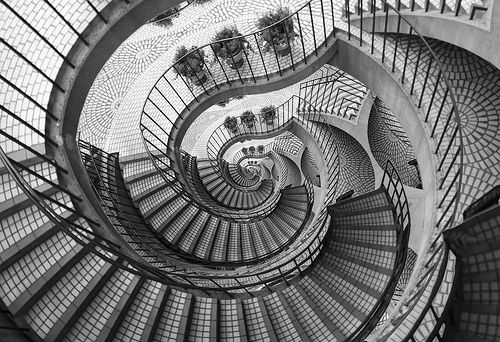 Two-dimensional art, by photographer Thomas Hawk.  Titled:  Going Down Droste.