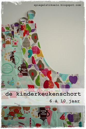 De kinderkeukenschort: eenvoudig projectje, ideaal cadeautje.      Om te beginnen: de afmetingen.  Ik schat dat de schortjes geschikt zijn v...