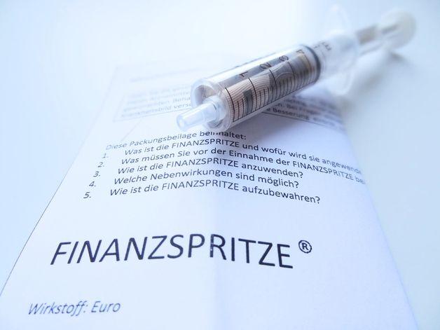 Geldgeschenke - Geldgeschenk 'Finanzspritze' Hochzeit Geburtstag - ein Designerstück von schnurzpieps bei DaWanda