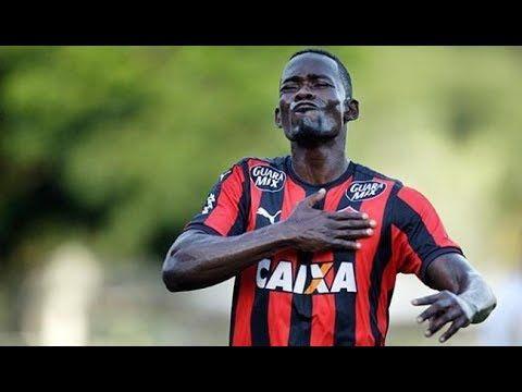 Kanu renova contrato com o Vitória