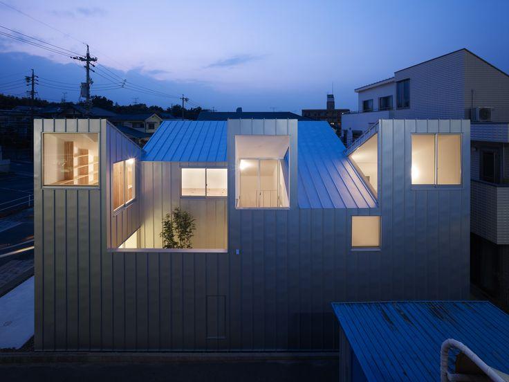 Complex house / Tomohiro Hata Architect and Associates