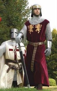 El conde de Cornualles y el guardia que guían a la joven Leena a su trágico destino.