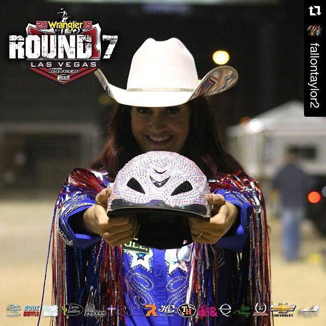 Regram Fallontaylor2 We Helmet Bling Round 7 Outfit