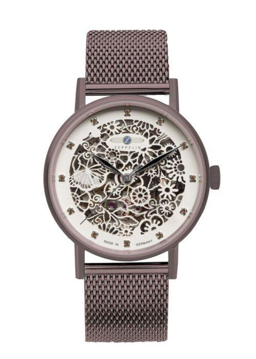 Zeppelin Viktoria Luise Lady 7333M-5 Luxusní dámské hodinky z kolekce Princess of the Sky nabízí netradiční průhled skrz ciferník se Swarovski krystaly na místě indexů.