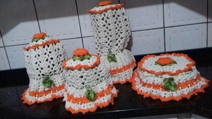 capas para cozinha com 4 peças sendo 1 capa para liquidificador, 1 capa para sanduicheira, 1 capa para centrifuga de suco ou batedeira e 1 capa para espremedor de laranja