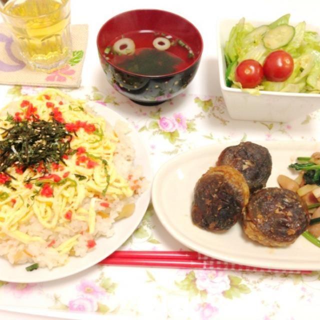☆ちらし寿司 ☆しいたけの肉詰め ☆ほうれん草とエリンギのソテー ☆叙々苑風サラダ ☆すまし汁 - 2件のもぐもぐ - ちらし寿司としいたけの肉詰め by haruka0302