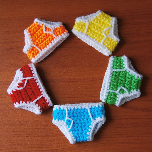 Ravelry: Mini Briefs pattern by Brenna Eaves