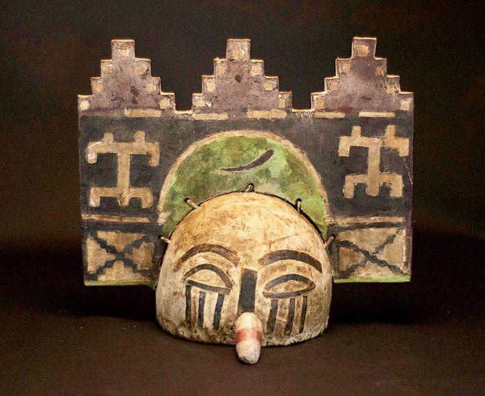 Nu in de #Catawiki veilingen: Very rare American Native tribal ZUNI HOPI Kachina Mask.USA.