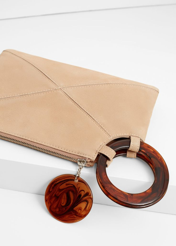 Zipped leather clutch | MANGO