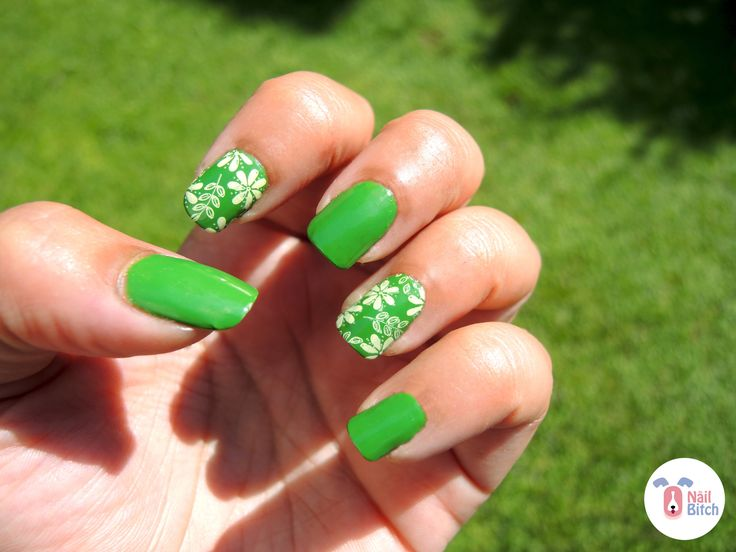 Day 4: Green Nails!!