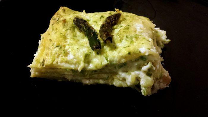 Lasagne agli asparagi, ricetta facile - Le lasagne agli asparagi sono un primo piatto davvero delizioso, ideale da preparare in anticipo se avete degli ospiti poichè basterà una mezz'ora in forno per avere la cena pronta.  Sono semplici da preparare e occorreranno …