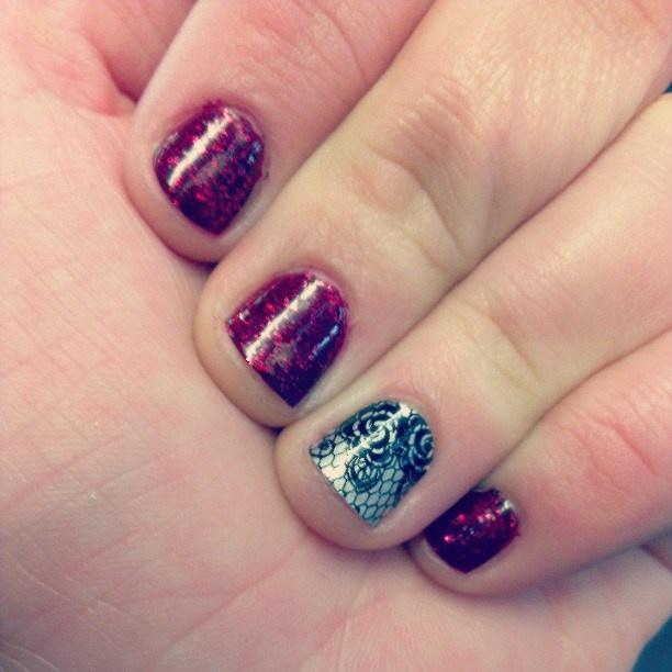 Cabaret nails