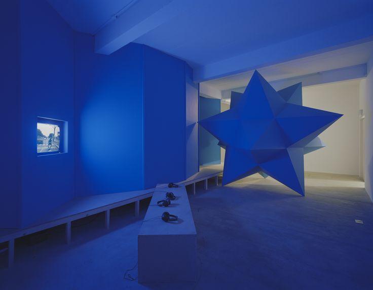 Lindsay Seers, It Has to be This Way. Installation view. 2010. Fot. John Ridley. Dzięki uprzejmości artystki i Matt's Gallery w Londynie