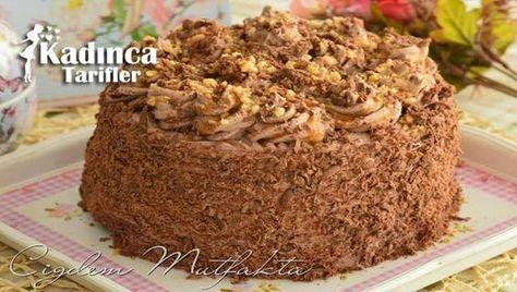 Krokanlı Çikolatalı Yaş Pasta Tarifi nasıl yapılır? Krokanlı Çikolatalı Yaş Pasta Tarifi'nin malzemeleri, resimli anlatımı ve yapılışı için tıklayın. Yazar: Çiğdem Mutfakta